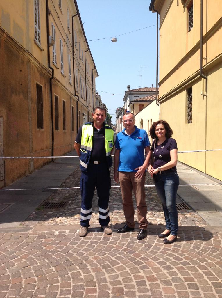 Perini dei vigili del fuoco, il sindaco Benaglia e la consigliera Veroni.