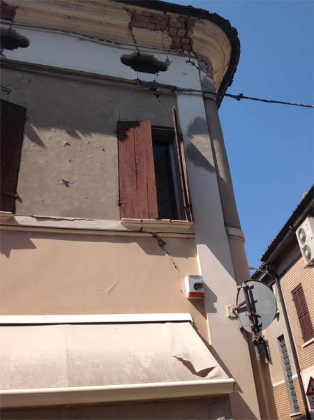 A Reggiolo tutto il centro è inagibile, enormi i disagi per gli abitanti.